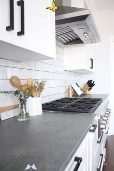 Ultimate Guide To The Hottest 2020 Kitchen Trends 2020 is around the corner... Is your kitchen ready? Read up on the latest trends in cabinets, appliances, backsplash, flooring + more to discover the best ideas for your 2020 kitchen remodel. #KitchenTrends2020 #KitchenDesignIdeas<br> A full design forecast for the hottest kitchen trends of 2020. Whether you're a homeowner, new buyer, or just a design aficionado, it's good to be in the kno Farmhouse Kitchen Interior, Farmhouse Kitchen Island, Rustic Kitchen Design, Modern Farmhouse Kitchens, White Kitchen Cabinets, Kitchen Countertops, Kitchen White, White Countertops, Kitchen Backsplash