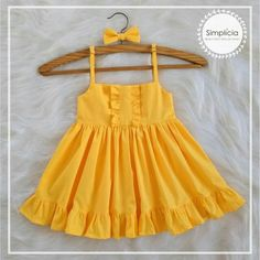 Girls Frock Design, Kids Frocks Design, Baby Frocks Designs, Baby Dress Design, Stylish Dresses For Girls, Kids Outfits Girls, Toddler Girl Dresses, Little Girl Dresses, Girl Outfits