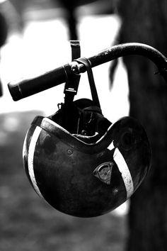 #helmet #motorcycles #motos | www.caferacerpasion.com