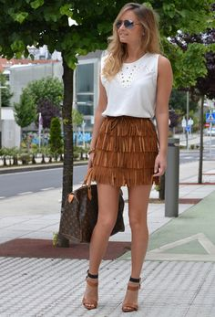 Discover and organize outfit ideas for your clothes. Decide your daily outfit with your wardrobe clothes, and discover the most inspiring personal style 30 Outfits, Cute Outfits, Fashion Outfits, Fashion Trends, Women's Fashion, Michael Kors Skirts, Fringe Skirt, Brown Skirts, Passion For Fashion