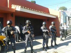 Policía confirma que Francisco Flores no está en su residencia. http://www.lapagina.com.sv/nacionales/92304/2014/01/31/Policia-confirma-que-Francisco-Flores-no-esta-en-su-residencia