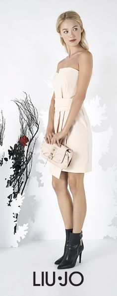 Fairytale chic: powder pink tube dress, mat bag & ankle boots! #LiuJo #FW15