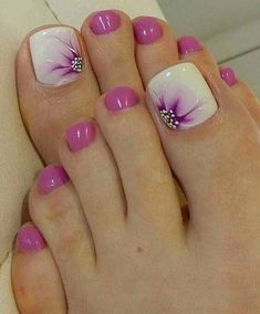 Mulberry Summer Flower Toenails