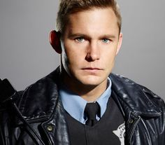 Brian Geraghty - Officer Sean Roman Chicago PD NBC.com