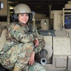 Warrior Girl, Warrior Women, Army Decor, Army Girls, Hero World, Female Soldier, Military Women, Sexy Older Women, Mermaids