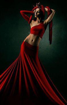 wolfdancer:  wolfdancer:- Lady in Red