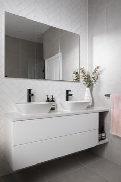 Elegant and modern, this dual vanity unit is styled with wall mounted storage and a seamless mirror. Wall Hung Bathroom Vanities, Bathroom Vanity Units, White Vanity Bathroom, Modern Bathroom Cabinets, Wall Mounted Vanity, Lily Pebbles, Bathroom Design Luxury, Bathroom Design Small, Modern White Bathroom