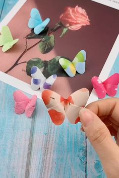 Easy Paper Butterfly Origami - Cute & Easy Butterfly Primeur by Paper Flowers Craft, Paper Crafts Origami, Paper Crafts For Kids, Flower Crafts, Printable Paper Crafts, Paper Butterfly Crafts, Origami Gifts, Butterfly Gifts, Butterfly Wall Art