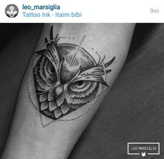 80 geometric owl tattoo designs for men - shape ink ideas ta Owl Tattoo Design, Sketch Tattoo Design, Tattoo Designs Men, Hand Tattoos For Women, Tattoos For Guys, Trendy Tattoos, Cool Tattoos, Tatoos, Tattoo Geometrique