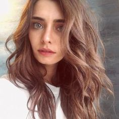 Tulin Yazkan was born 28 February 1991 in Istanbul. After graduating from Beykent University, she made her debut in turkish series Revenge of Snakes Green Hair Colors, Eye Color, Body Types, Tv Series, Daughter, Actresses, Long Hair Styles, Biography, Beauty