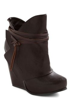 Notch Your Step Oxford Heel Swathe Your Step Wedge, Boot Over The Knee, Over Boots, Bootie Boots, Shoe Boots, Shoe Bag, Ankle Boots, Ugg Shoes, Shoes Heels, Crazy Shoes