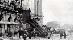 Photo Credit: dailyviralpost.com A train derails at the Gare Montparnasse in Paris, France, 1895