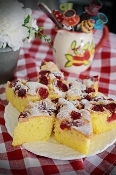 No Cook Desserts, Delicious Desserts, Yummy Food, Cake Recipes, Dessert Recipes, Romanian Food, Confectionery, Cakes And More, Pavlova