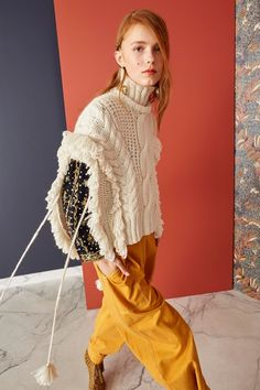 Ulla Johnson Pre-Fall 2019 collection, runway looks, beauty, models, and reviews.