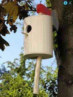 20 Creative & Modern Bird House Designs - The Pets Central Bird Feeder Plans, Bird House Feeder, Bird Feeders, Decorative Bird Houses, Bird Houses Diy, Potpourri, Birdhouse In Your Soul, Birdhouse Designs, Unique Birdhouses