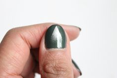 Spray effect nail art - Bronze Green Mavala