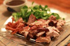 Tepsis csülök - Luggossy György saját kemencés receptjei Bacon, Pork, Mexican, Beef, Dishes, Ethnic Recipes, Retro, Kale Stir Fry, Meat