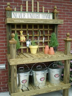 Pallet garden benches diy potting bench plans ideas to beautify your garden create a diy garden bench using items you already have at home Potting Bench Plans, Potting Tables, Potting Sheds, Potting Soil, Backyard Projects, Garden Projects, Outdoor Gardens, Indoor Outdoor, Outdoor Living