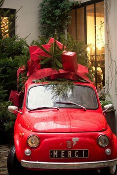 Merci on the French plate, and a Christmas tree on a red car...now, that looks Christmas-y...
