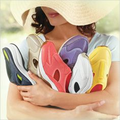 Pick a color, any color. Shop Easy Spirit Waterfall clogs at FootSmart.