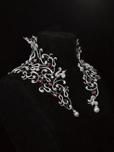 Jeweled Collar jewelry - Mellerio dits Meller Medici Neck Collar - White gold, diamonds, and 35 carat Burmese ruby. #Necklace