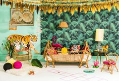 Jungle Creatures Stained Kids Wallpaper Nursery Deco Room