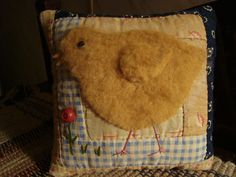 Old Quilt Chick Pillow