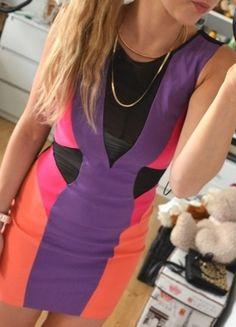 Kup mój przedmiot na #vintedpl http://www.vinted.pl/damska-odziez/krotkie-sukienki/10385079-mega-kolorowa-sukienka-siatka-gole-plecy