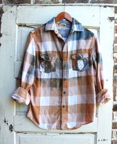 Small Distressed Flannels Flannel Shirts, Flannels, Diy Fashion, Fashion Ideas, Upcycled Clothing, Godly Woman, Head To Toe, Refashion, Diy Clothes