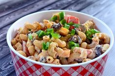 Seven layer dip macaroni salad ingredients: 2 cups dried elbow macaroni Macaroni Salad Ingredients, Pasta Salad Recipes, Seven Layer Dip, Avocado Pasta, Think Food, Fettuccine Alfredo, Summer Salads, Soup And Salad, Pasta Dishes