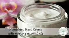 your hands soft and smooth in any weather with this skin nourishing hand cream. The Homesteading HippyKeep your hands soft and smooth in any weather with this skin nourishing hand cream. The Homesteading Hippy Diy Lotion, Hand Lotion, Sally Hansen Miracle Gel, Uv Lack, Diy Masque, Homemade Beauty Products, Diy Skin Care, Skin Cream, Young Living Essential Oils