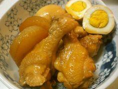 簡単✿鶏手羽元と大根&卵の煮物の画像