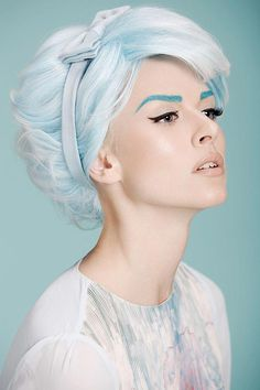 Shades of blue // woman with behive in pastel blue hair and eyebrows Girl Blue Hair, New Hair, Your Hair, Hair Rainbow, Corte Y Color, Coloured Hair, My Hairstyle, Trendy Hairstyles, Scene Hairstyles