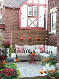 Let's explore a number of the very best fall outdoor decoration ideas. Fall outdoor decoration doesn't need to be expensive. Outdoor Rooms, Outdoor Decor, Wooden Decks, Patio Furniture Sets, Adirondack Furniture, Deck Design, Terrace Design, Outdoor Lighting, Diys