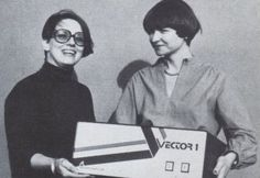 Lore Harp y Carole Ely, fundadoras de Vector Graphic