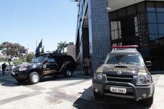 A Polícia Federal e o Ministério da Transparência desencadearam nesta quinta-feira, 4, Operação Kamikaze II para desarticular organização criminosa composta por empresários, contadores e administrador ...