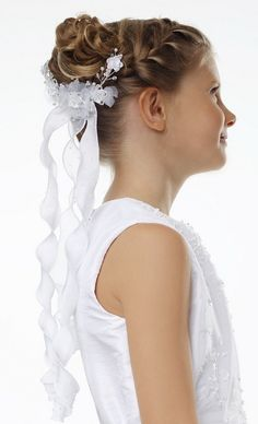 Modern hairstyles for First Communion in 2015