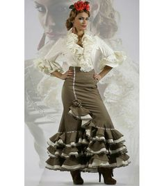 Nice flamenco skirt for sale only at El Rocio ? Flamenco Outfit, Skirt laina in colour brown with three ruffles with white edges Spanish Costume, Flamenco Skirt, Flamingo Dress, Mexican Blouse, Lace Dress Styles, Skirts For Sale, Ruffles, Ideias Fashion, Fashion Dresses