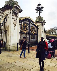 근위병 교대식은 못 봣지만 그래두 히히 #버킹엄궁전#영국#런던#buckinghampalace#uk#london by _910406