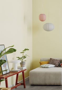 Denne bliver it-farve - og holder ifølge trendeksperterne de næste 5 år! Minimalist Home Interior, Mellow Yellow, Cheap Home Decor, Interior Inspiration, Home Furniture, Bedroom Decor, House Design, Interior Design, Yellow Dining Room
