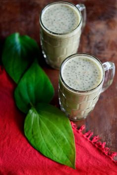 paan gulkand drink is made from paan or betel leaves and gulkand. the betel leaves are pureed. this paan gulkand drink is super cooling and very refreshing. Juice Drinks, Juice Smoothie, Fun Drinks, Yummy Drinks, Beverages, Cold Drinks, Juicer Recipes, Vegan Recipes, Cooking Recipes