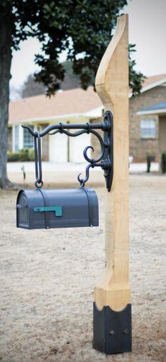 Hanging Link Mailbox-This design uses a locking mailbox and a new twist on our usual mailbox joinery.