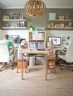 Creative Workspace Ideas for Couples Create a family office space with these tips.Create a family office space with these tips. Office Playroom, Home Office Space, Home Office Design, Home Office Decor, Office Setup, Kids Office, Office Spaces, Small Office, Office Organization