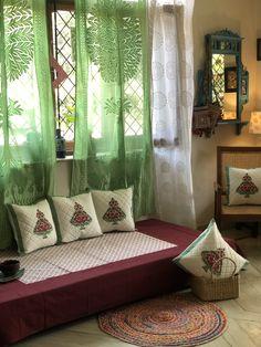 Home Room Design, Indian Bedroom Decor, Bohemian Room Decor, Living Room Seating, Indian Room Decor, Apartment Decor, House Interior Decor, Floor Seating Living Room, Home Decor Furniture