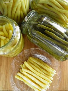 Celery, Pickles, Cucumber, Food To Make, Food And Drink, Vegetables, Drinks, Cooking, Kitchen