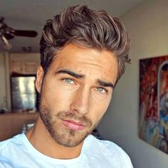 35 Of The Best Haircuts For Men With Thick Hair Hairstyles & Haircuts for Men & Women is part of Thick hair styles - Guys with thick hair know how difficult it is to style! Here are 35 of the best haircuts for men with thick hair to get you started Cool Mens Haircuts, Cool Hairstyles For Men, Best Short Haircuts, Straight Hairstyles, Men's Haircuts, Haircut Men, Popular Hairstyles, Pixie Haircut, Thick Haircuts