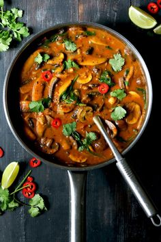 Curry with Spinach & Chickpeas Mushroom Curry with Spinach & Chickpeas - Mushroom Curry with Spinach & Chickpeas - Veg Recipes, Curry Recipes, Indian Food Recipes, Whole Food Recipes, Cooking Recipes, Healthy Recipes, Mushroom Recipes Indian, Healthy Food, Vegetarian Curry