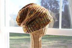 This fun knitted sockhead slouch hat is a quick and easy knitting project. Making this slouchy hat makes for great TV or travel knitting. Slouch Hat Knit Pattern, Cable Knit Hat, Slouchy Hat, Slouch Beanie, Knit Crochet, Crochet Pattern, Crochet Hats, Free Pattern, Simple Pattern