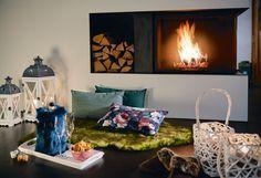 Arrangieren Sie sich Ihre Wohlfühloase » Flower #winterhome #wohnaccessoires #zierkissen #SONNHAUS Winter House, Home Decor Accessories, Ad Home, Homes