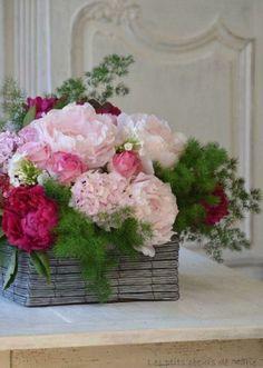 ideas basket flower arrangements floral design for 2019 Basket Flower Arrangements, Beautiful Flower Arrangements, Fresh Flowers, Silk Flowers, Floral Arrangements, Beautiful Flowers, Fresh Flower Arrangement, Arte Floral, Deco Floral